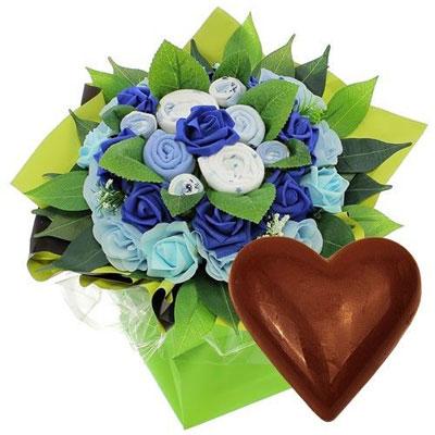 livraison de fleurs bouquet naissance bleu coeur en chocolat livraison france express. Black Bedroom Furniture Sets. Home Design Ideas