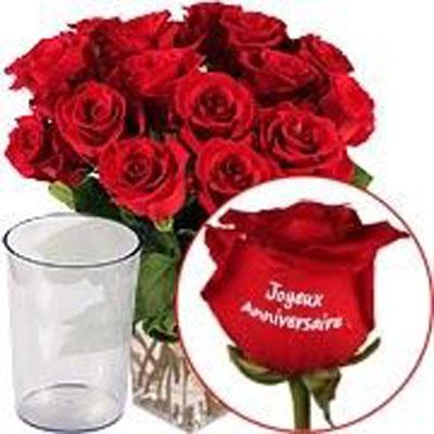 livraison de rose marqu e joyeux anniversaire vase coeur chocolat par florajet. Black Bedroom Furniture Sets. Home Design Ideas