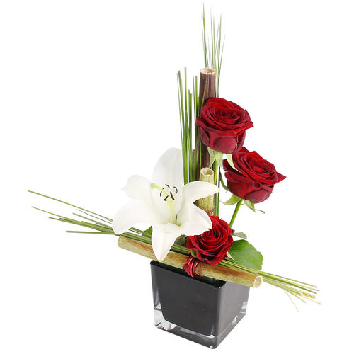 Livraison de la composition florale amour rubis par for Livraison composition florale