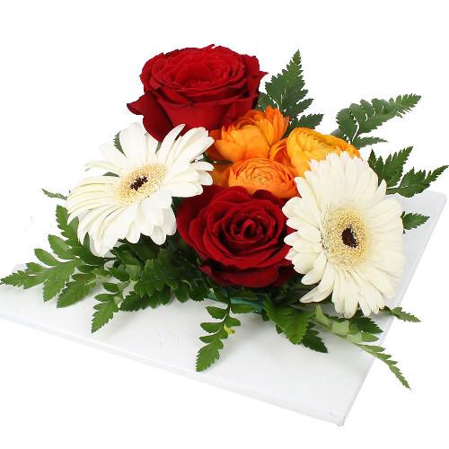 livraison de la composition florale anniversaire mignonne par florajet. Black Bedroom Furniture Sets. Home Design Ideas