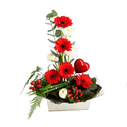 livraison de la composition florale amour dulcinee par florajet. Black Bedroom Furniture Sets. Home Design Ideas